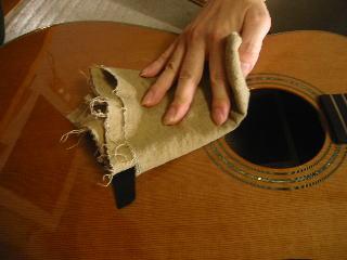 弦の張り替え方(ギターを綺麗に)