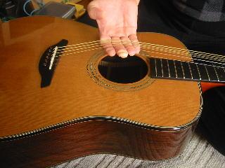 弦の張り替え方(弦を緩めたところ)